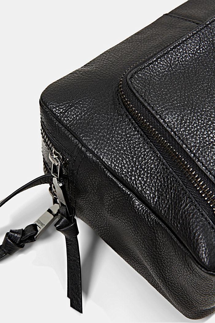 En piel: Bolso bandolera con cremallera, BLACK, detail image number 3