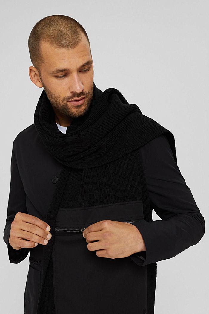 Mit Wolle: Strickschal mit Zipp-Tasche aus Stoff