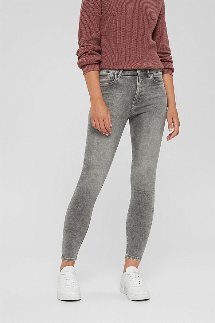 Jeans molto elasticizzati con lavaggio di tendenza