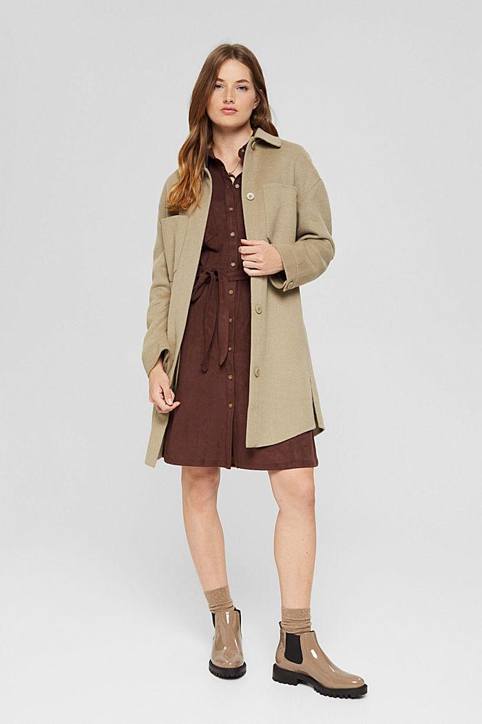 Reciclado: vestido camisero de polipiel