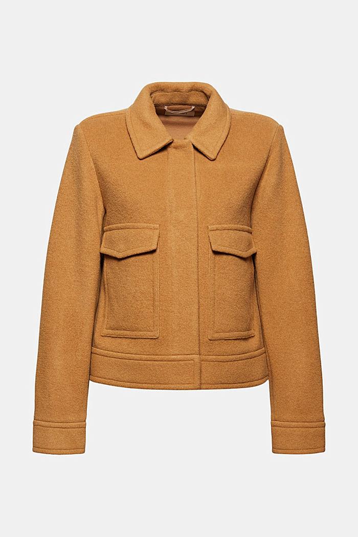 Med ull: Jacka med påsydda fickor