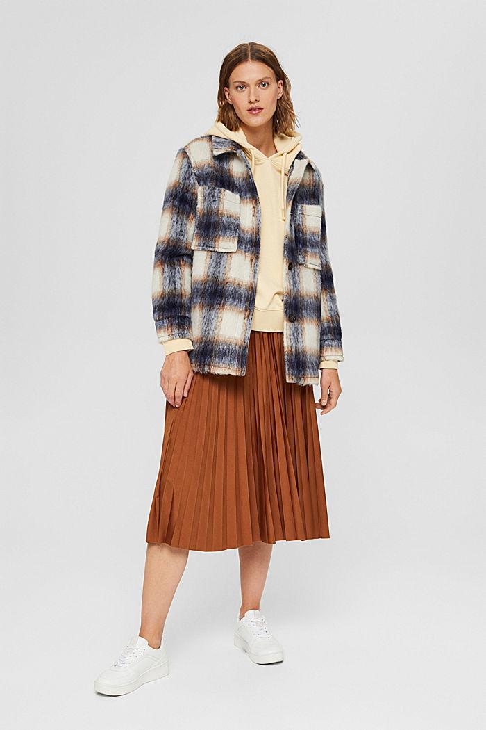 En laine mélangée recyclée : la veste velue à carreaux, NAVY, detail image number 1