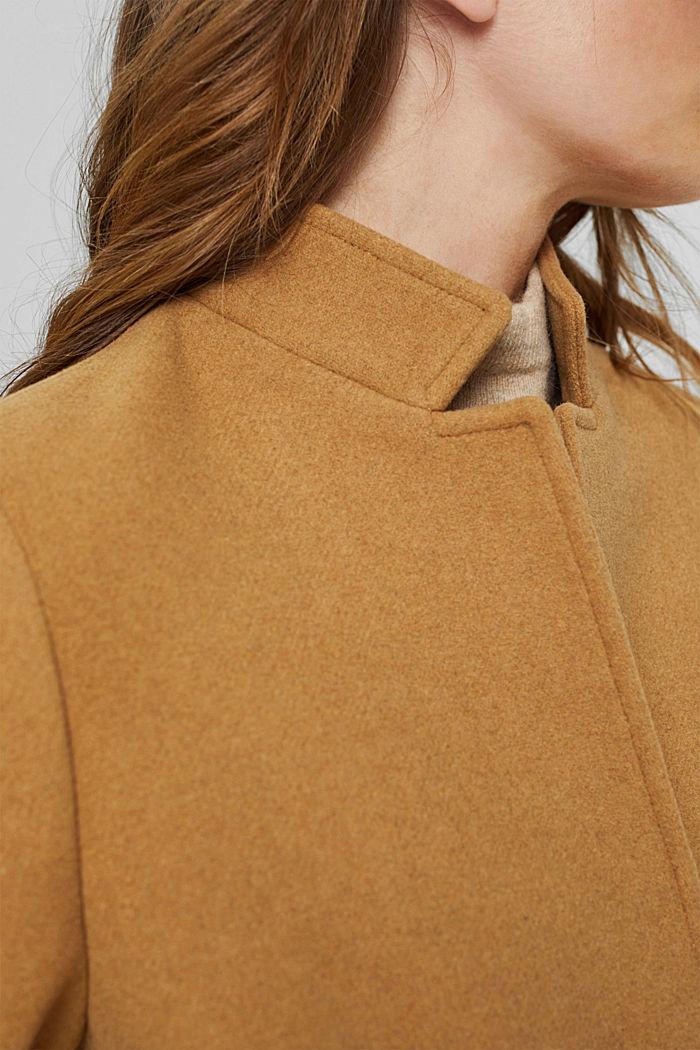 Aus recyceltem Woll-Mix: Mantel mit Stehkragen, CAMEL, detail image number 2