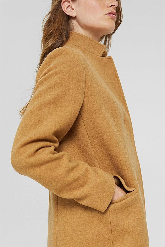 Aus recyceltem Woll-Mix: Mantel mit Stehkragen, CAMEL, detail image number 5