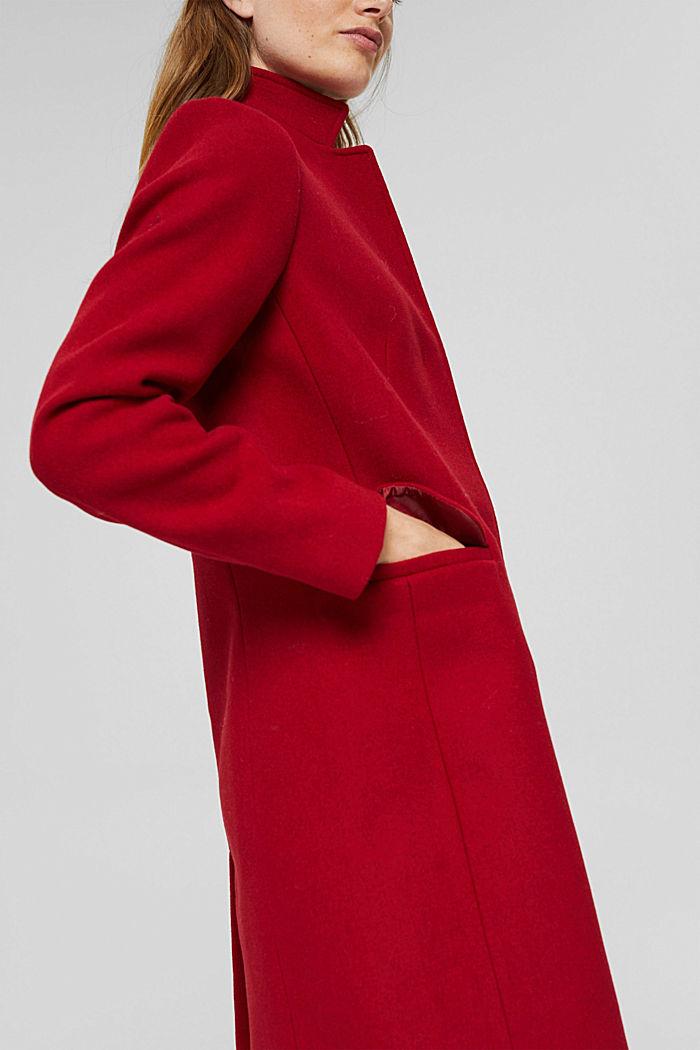Aus recyceltem Woll-Mix: Mantel mit Stehkragen, DARK RED, detail image number 5