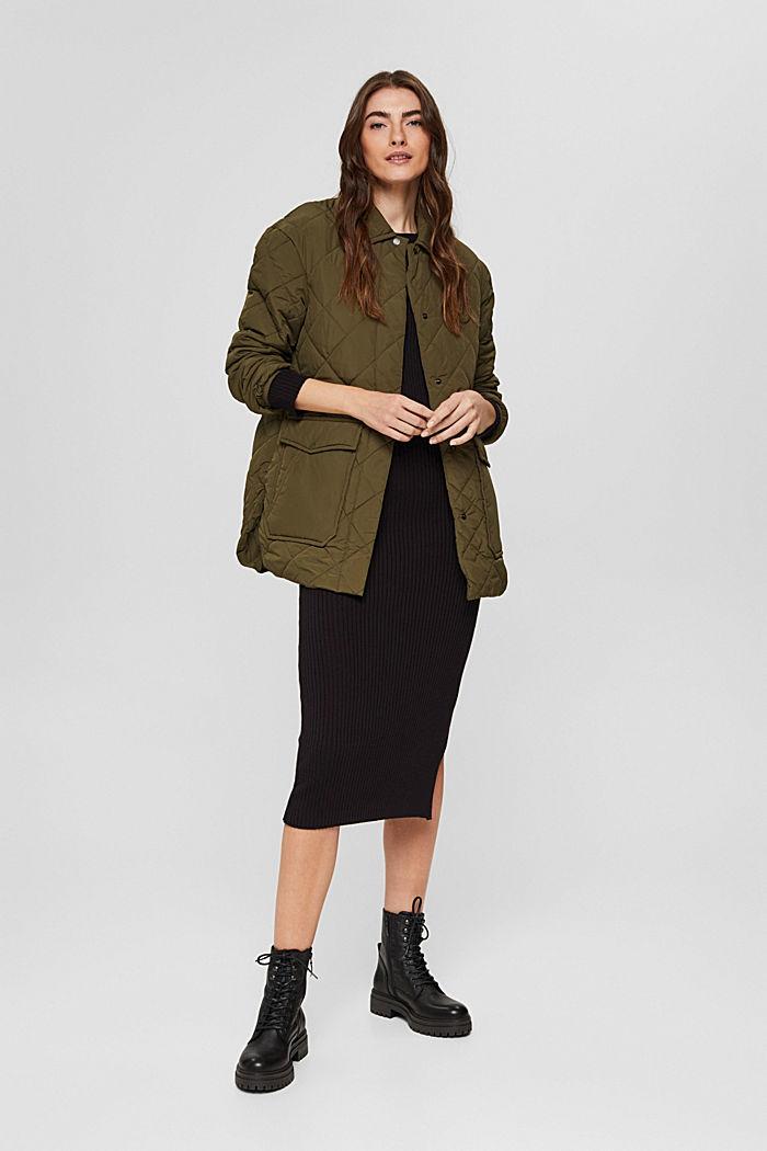 100% en matière recyclé: la veste matelassée à grandes poches, DARK KHAKI, detail image number 1