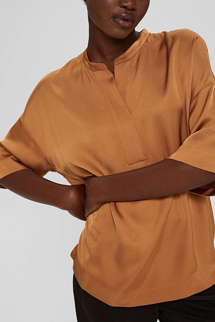 Relaxte satijnen blouse met LENZING™ ECOVERO™, CARAMEL, detail image number 2