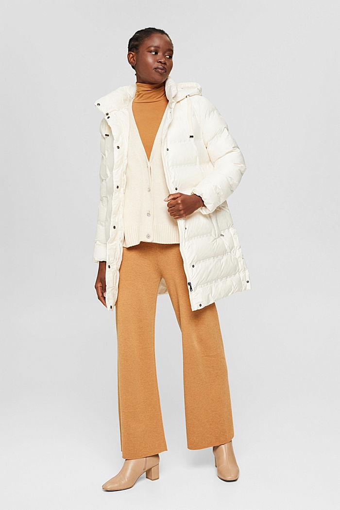 En matière recyclée: le manteau matelassé à capuche amovible