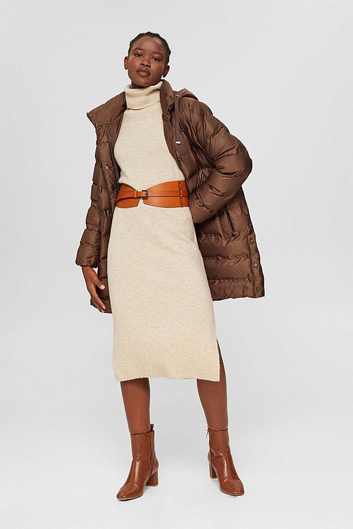 En matière recyclée: le manteau matelassé à capuche amovible, DARK BROWN, detail image number 1