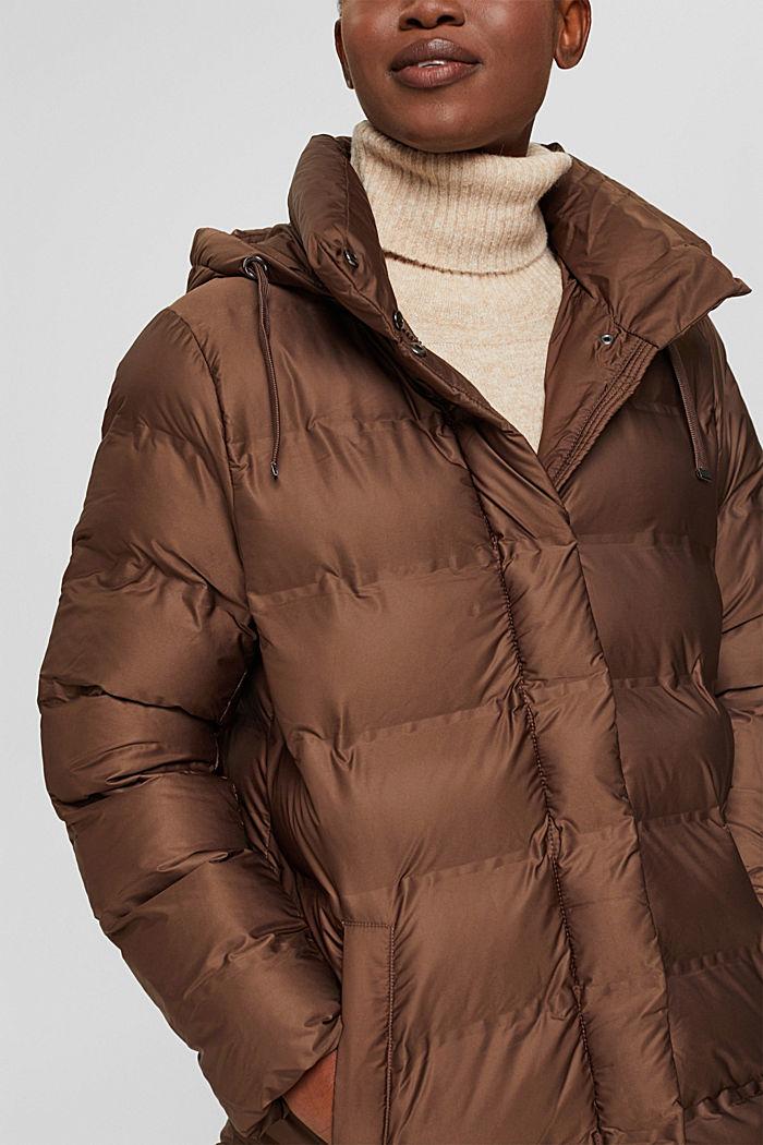 En matière recyclée: le manteau matelassé à capuche amovible, DARK BROWN, detail image number 2
