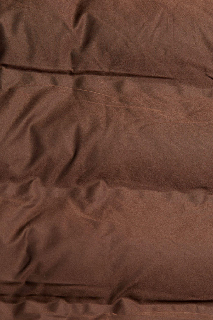 En matière recyclée: le manteau matelassé à capuche amovible, DARK BROWN, detail image number 4