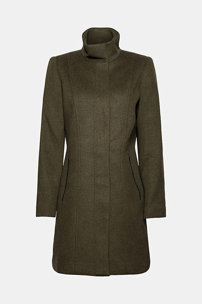 En matière recyclée: le manteau en laine à col droit