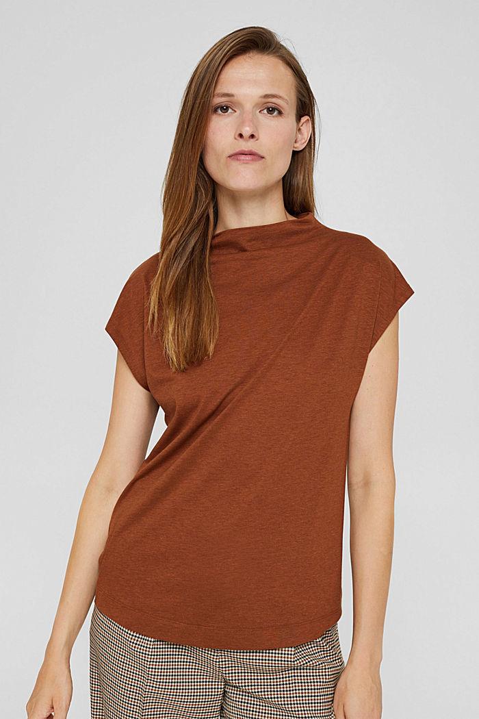 À teneur en TENCEL™: le t-shirt à col droit