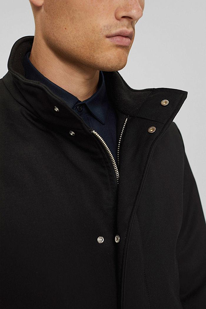 En matière recyclée: le manteau rembourré, BLACK, detail image number 2