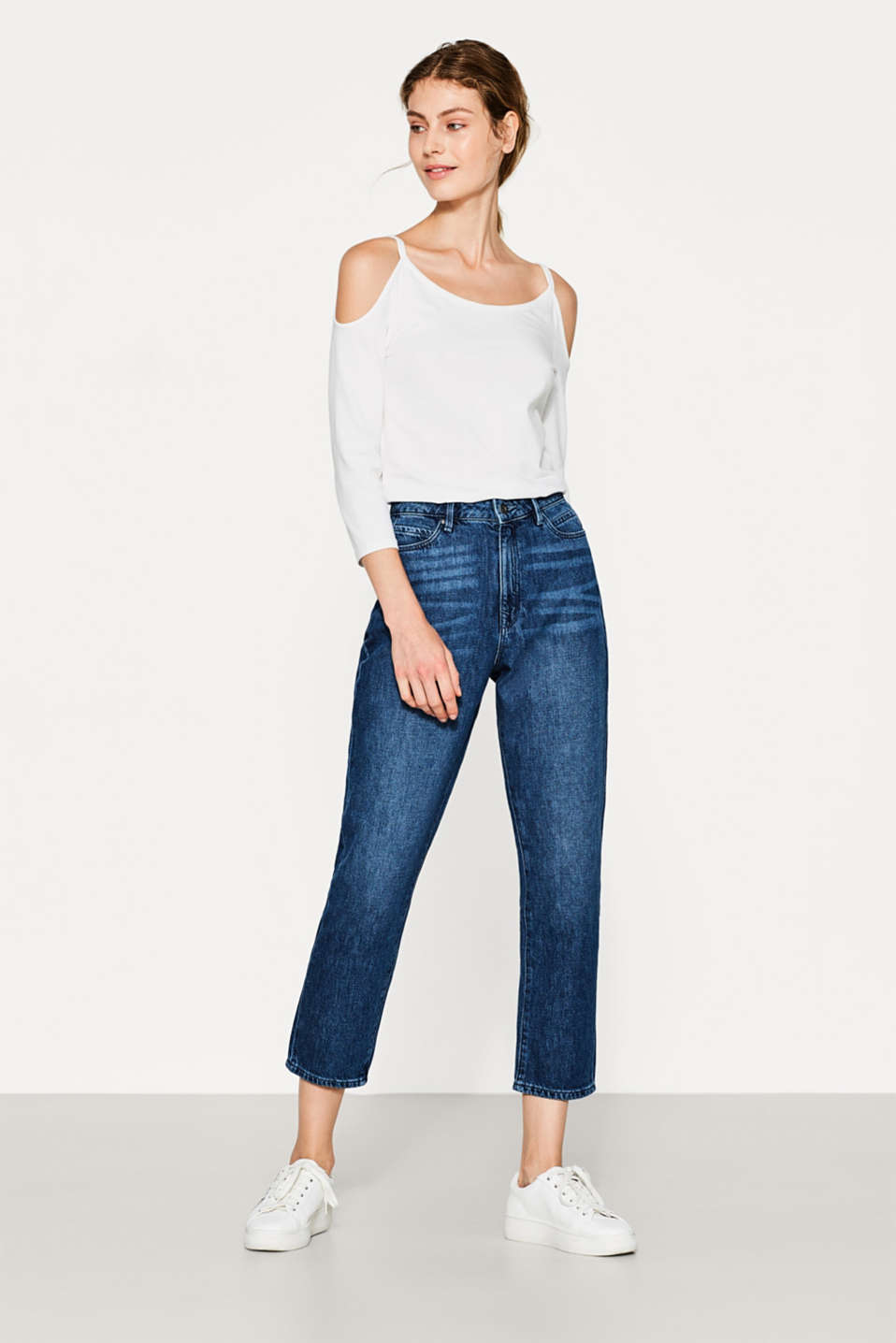 Stumpede jeans i mom-look