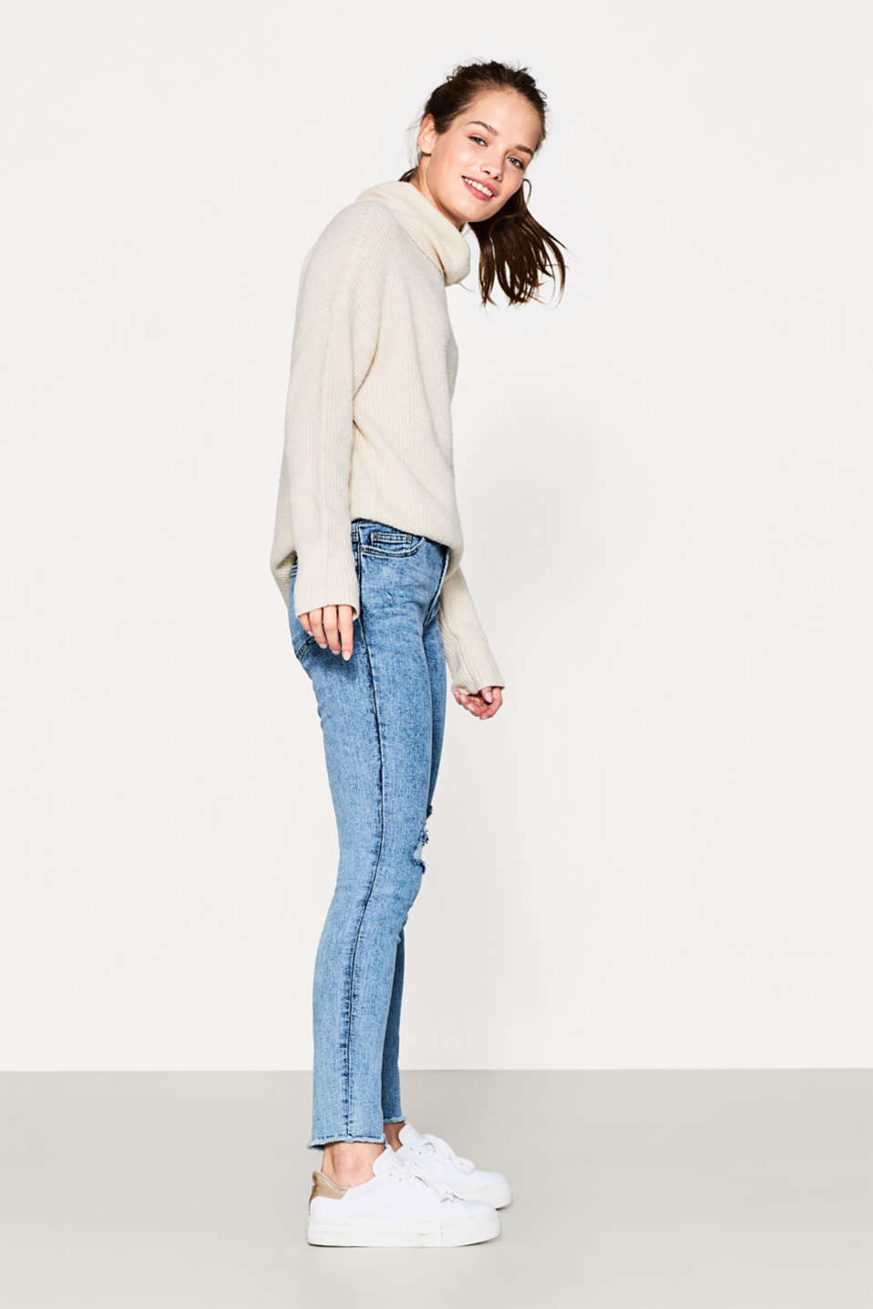 Acid-washed stretch jeans