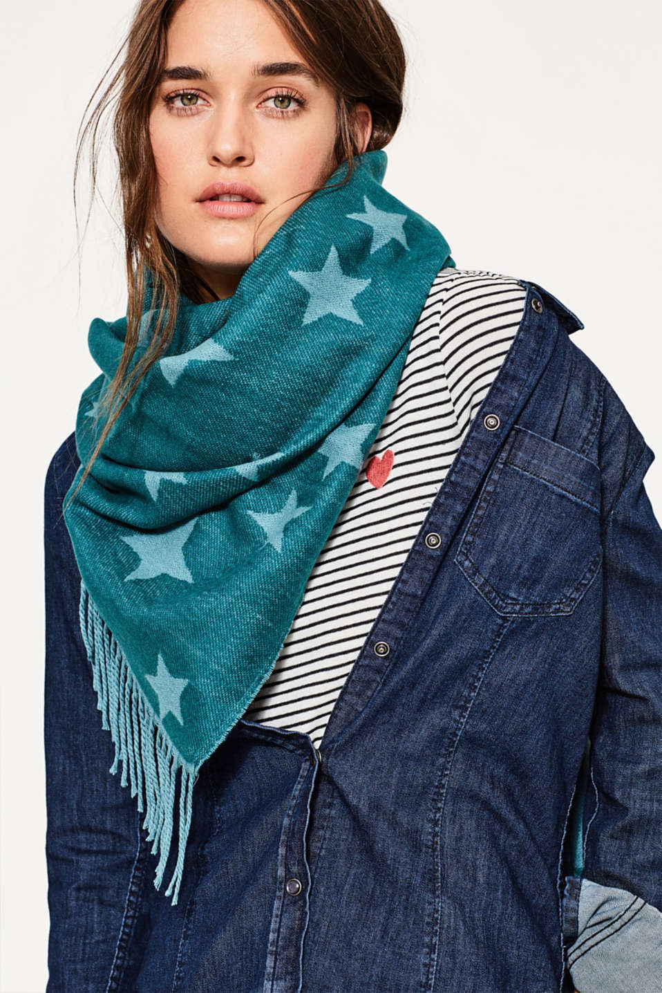 Oversized scarf with stars