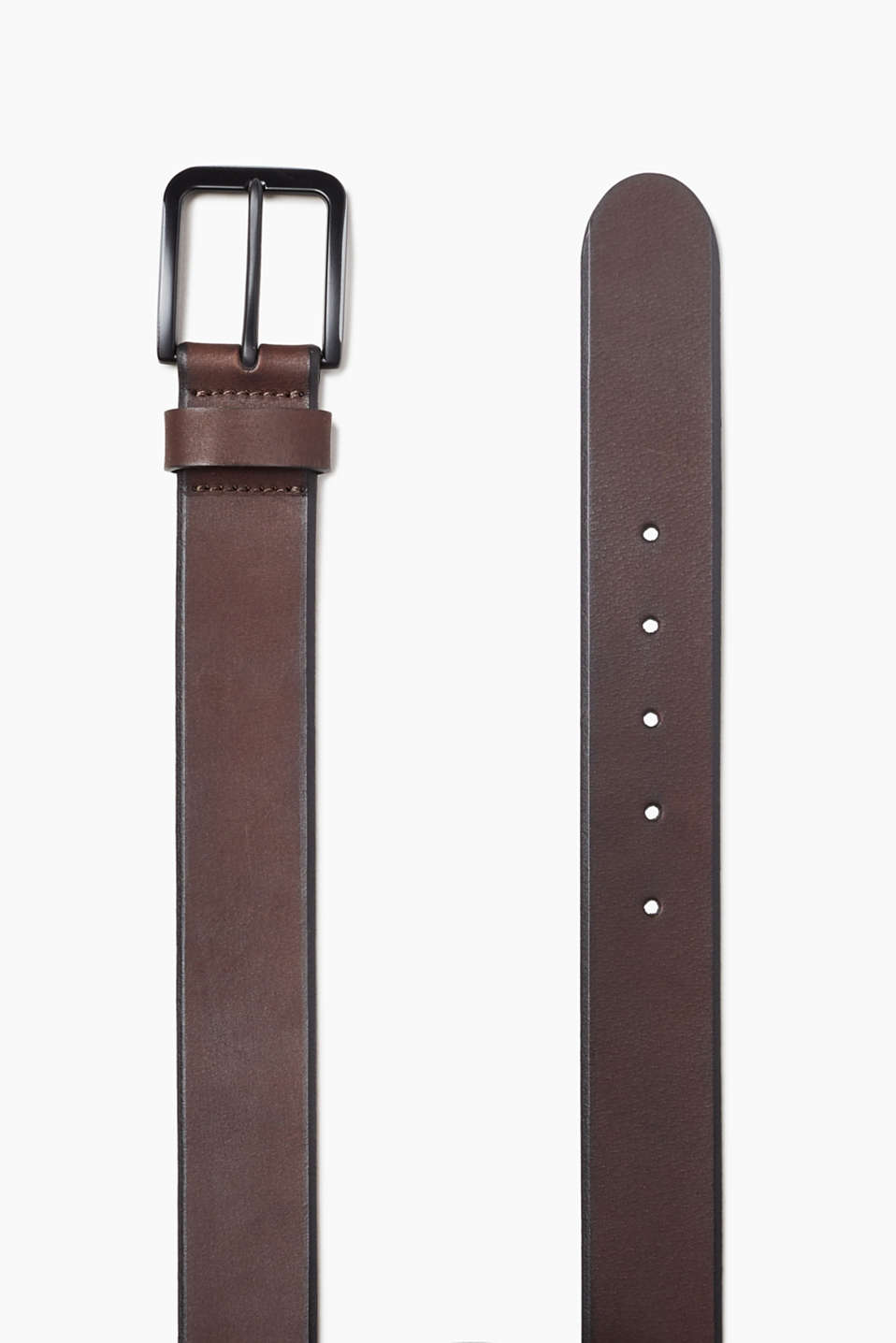 Made of robust buffalo leather: belt with a tarnished metal buckle