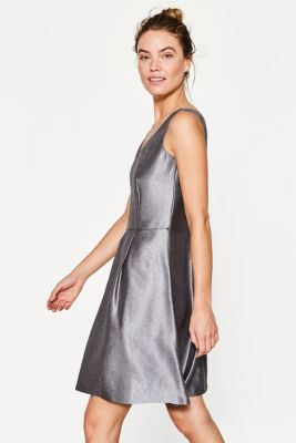 be2489352ea11b Esprit - Glanzende jurk met plooirok kopen in de online shop