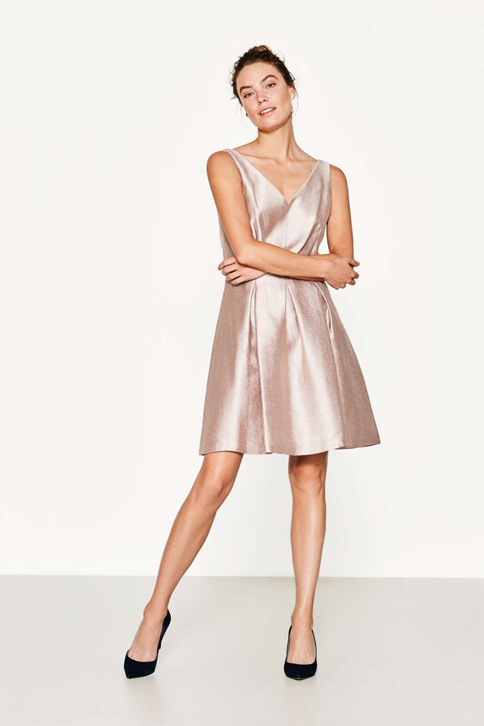 Esprit - Shiny dress with a pleated skirt