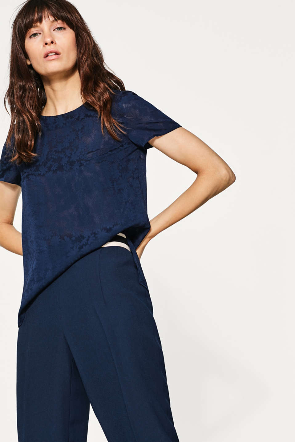 Esprit - Blouse in flowing jacquard fabric