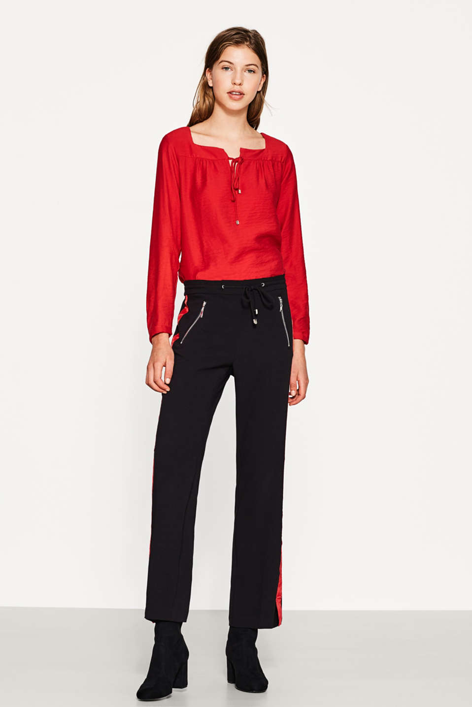 Esprit - Textured blouse with a square neckline