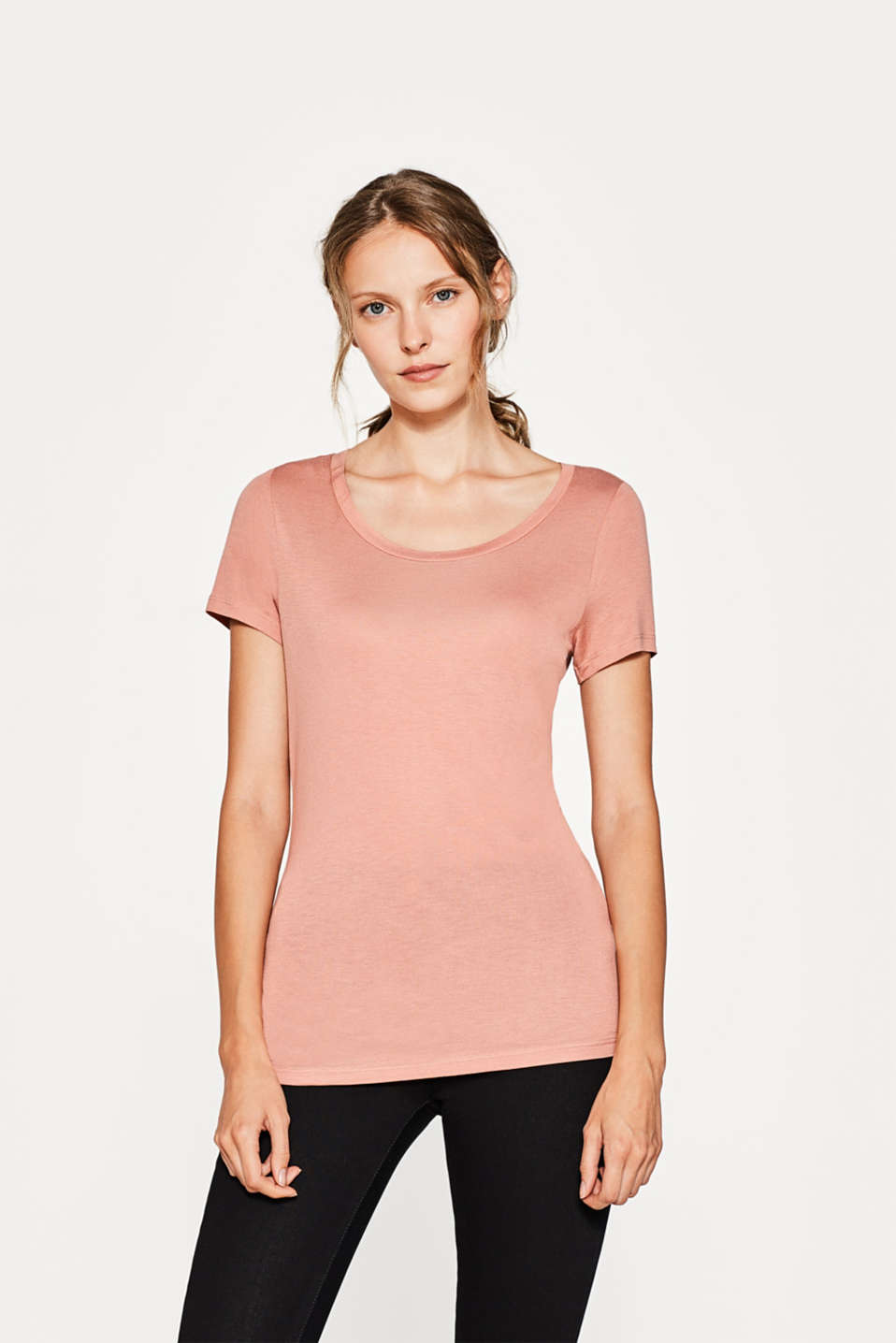Esprit - Flowing T-shirt with a large neckline