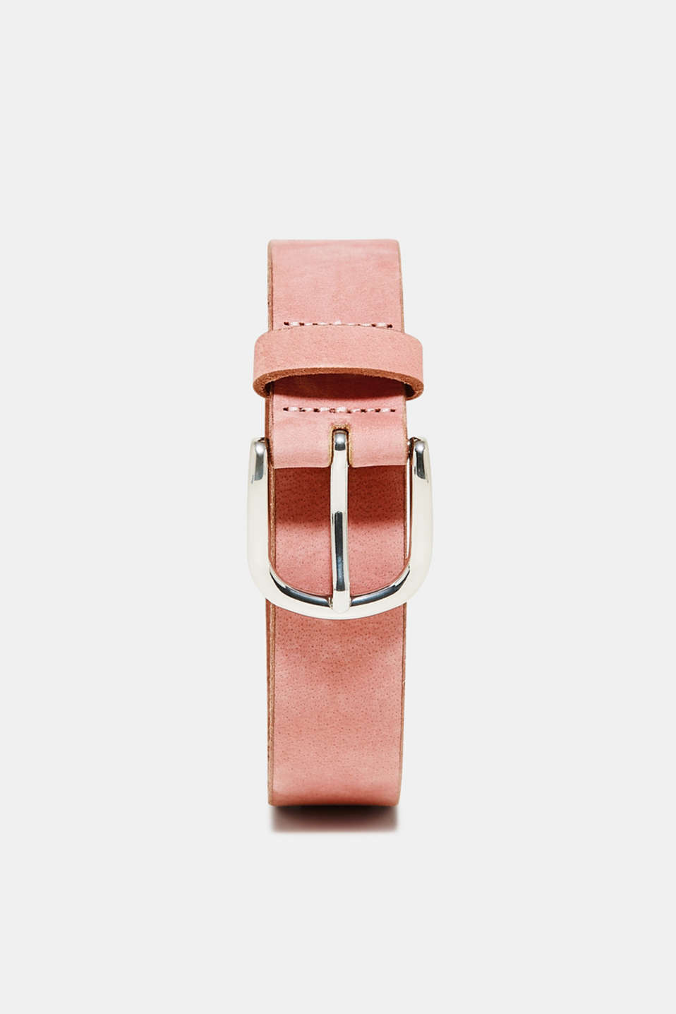 The matte finish and subtle vintage wash gives this belt made of 100% buffalo leather its characteristic look.
