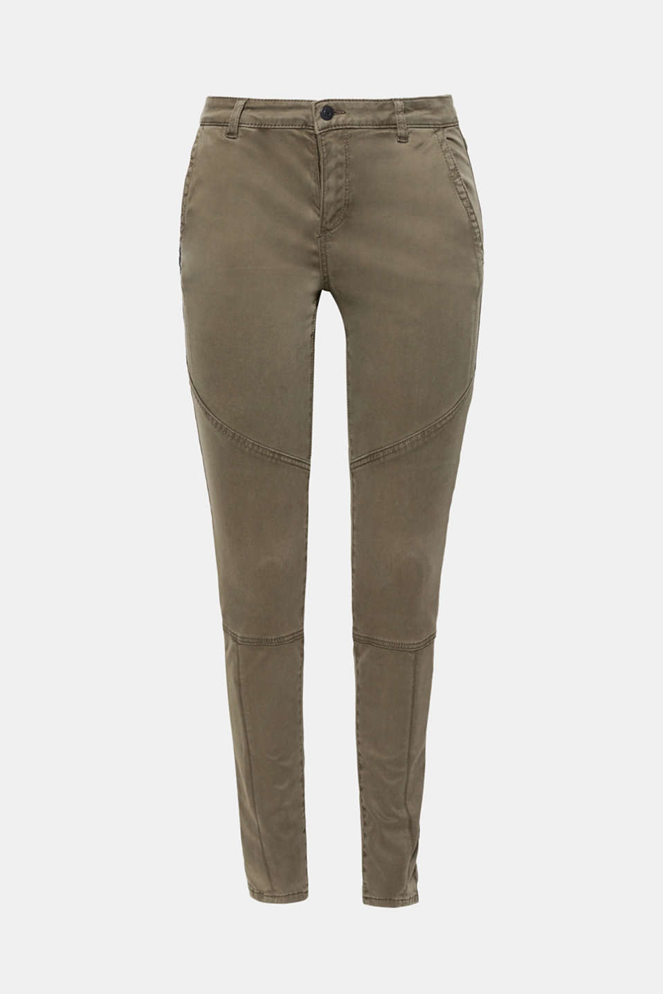 These slim fitting cargo trousers with a smooth satin finish look particularly elegant thanks to the high-quality, premium fabric!