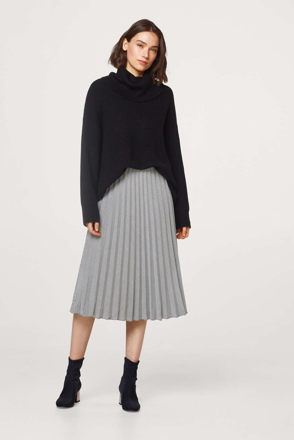 edc - Pleated skirt with a houndstooth pattern