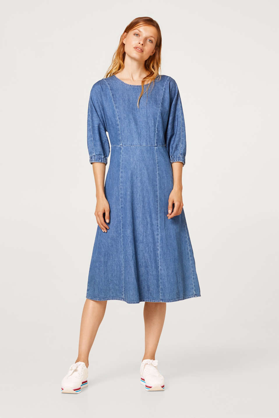 Denim dress in midi length, 100% cotton