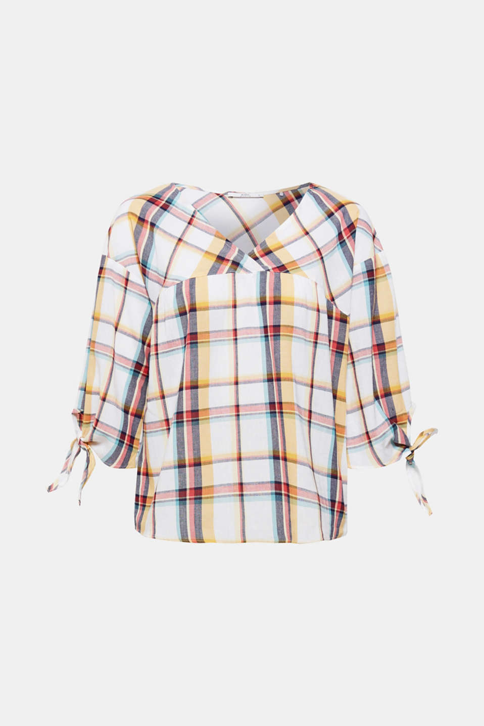 Sporty checks meet playful bow - this gives this flowing V-neck blouse its trendy new look!