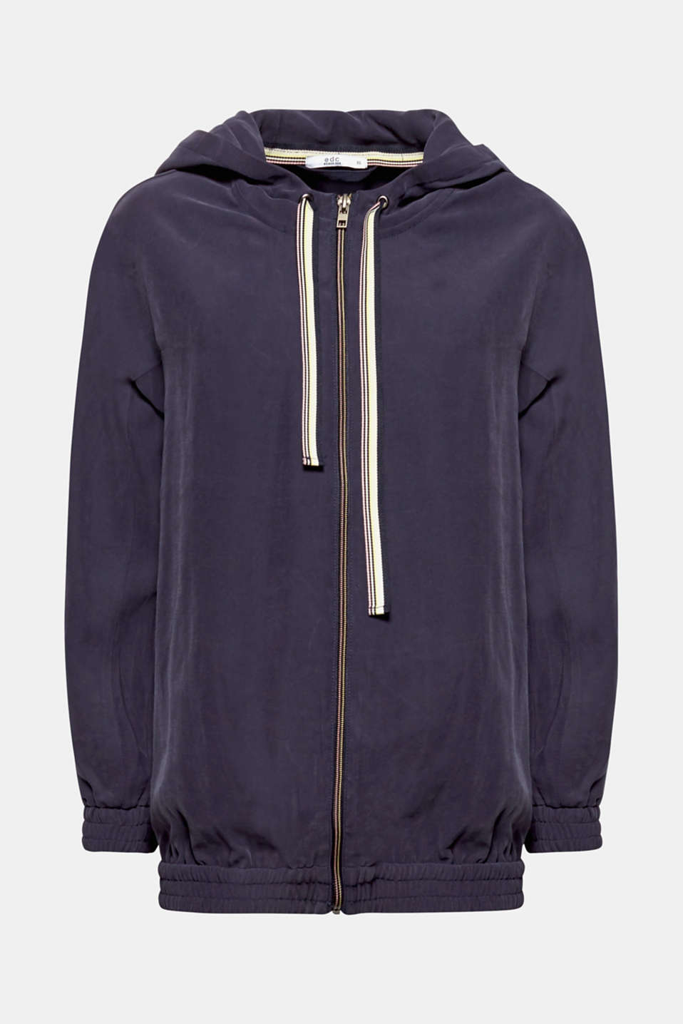 Sporty, casual and really easy to mix and match! The twill with a matte sheen and the striped drawstring ties give this hooded jacket its sporty look.