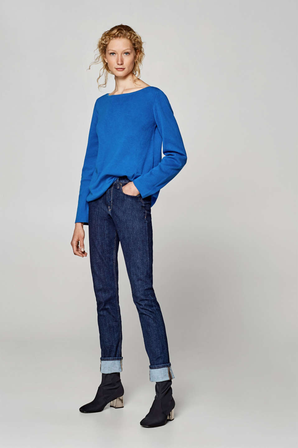 Loose jumper in 100% cotton