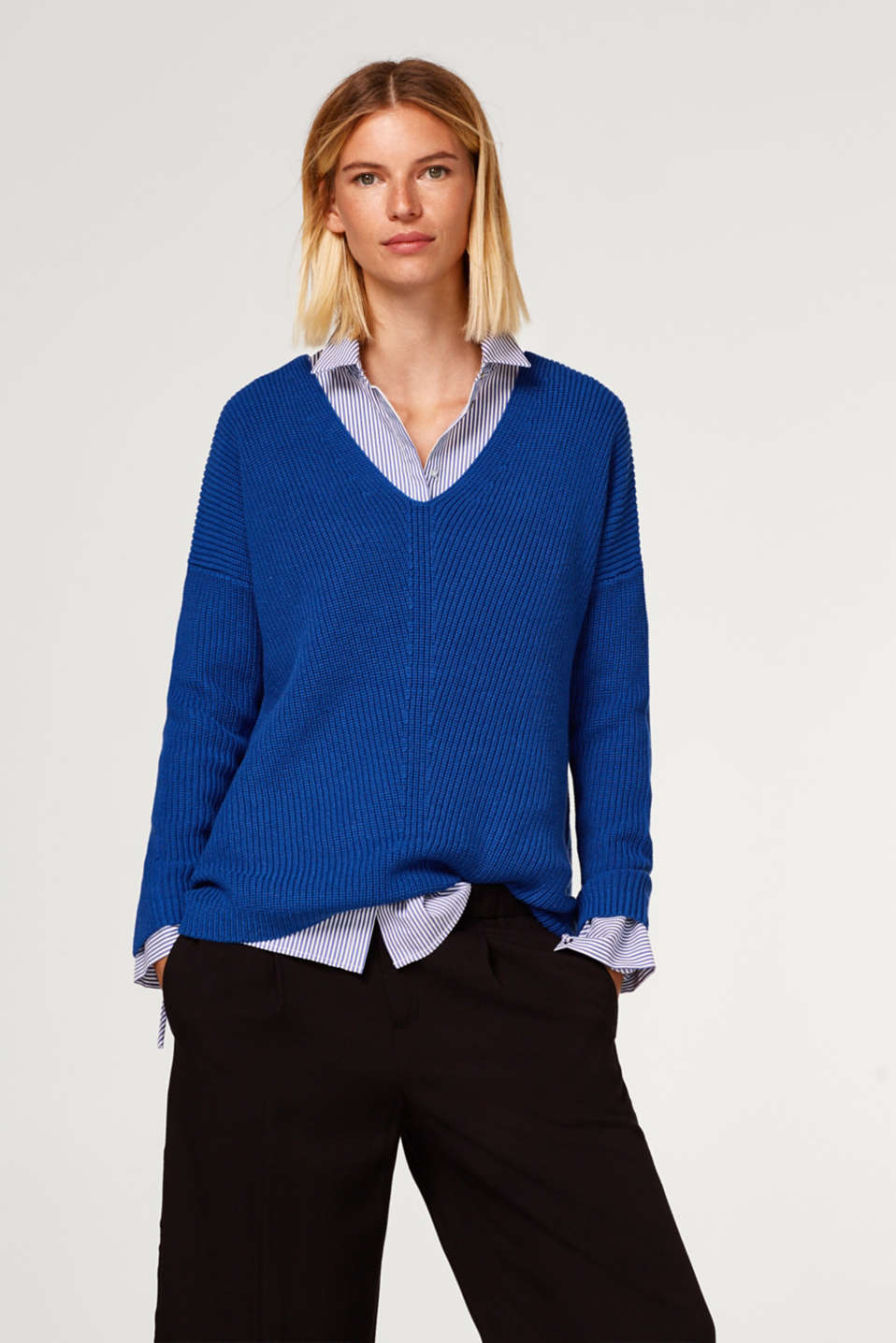 edc - Ribbed jumper with a double V-neckline