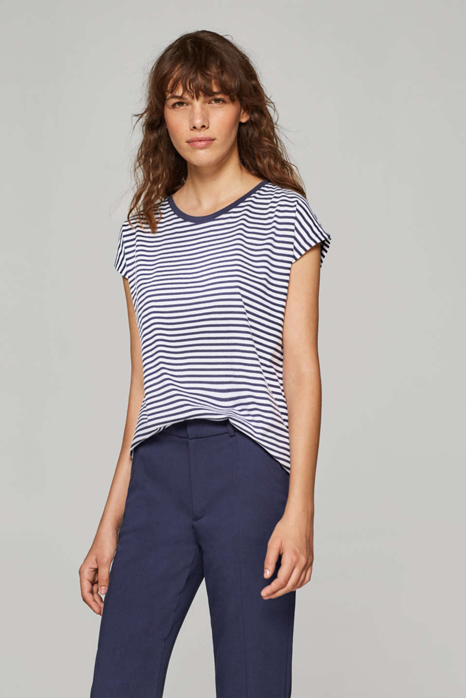 edc - Striped T-shirt with a high-low hem, 100% cotton