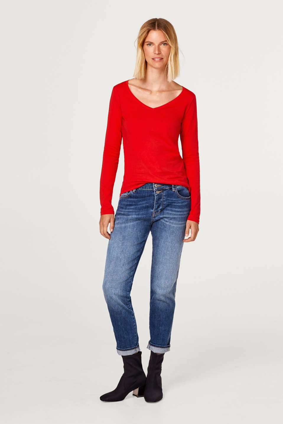 V-neckline long sleeve top with organic cotton