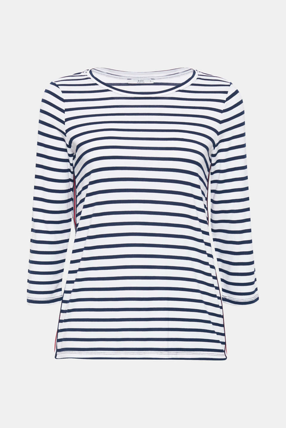 We love stripes! High-contrast tuxedo stripes on the sides give this top with three-quarter length sleeves its sporty spirit.