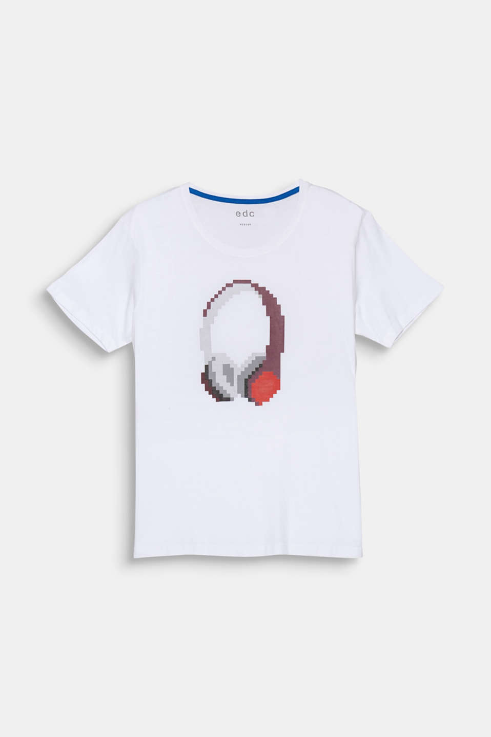 The large pixelated headphone print makes this jersey T-shirt really eye-catching.