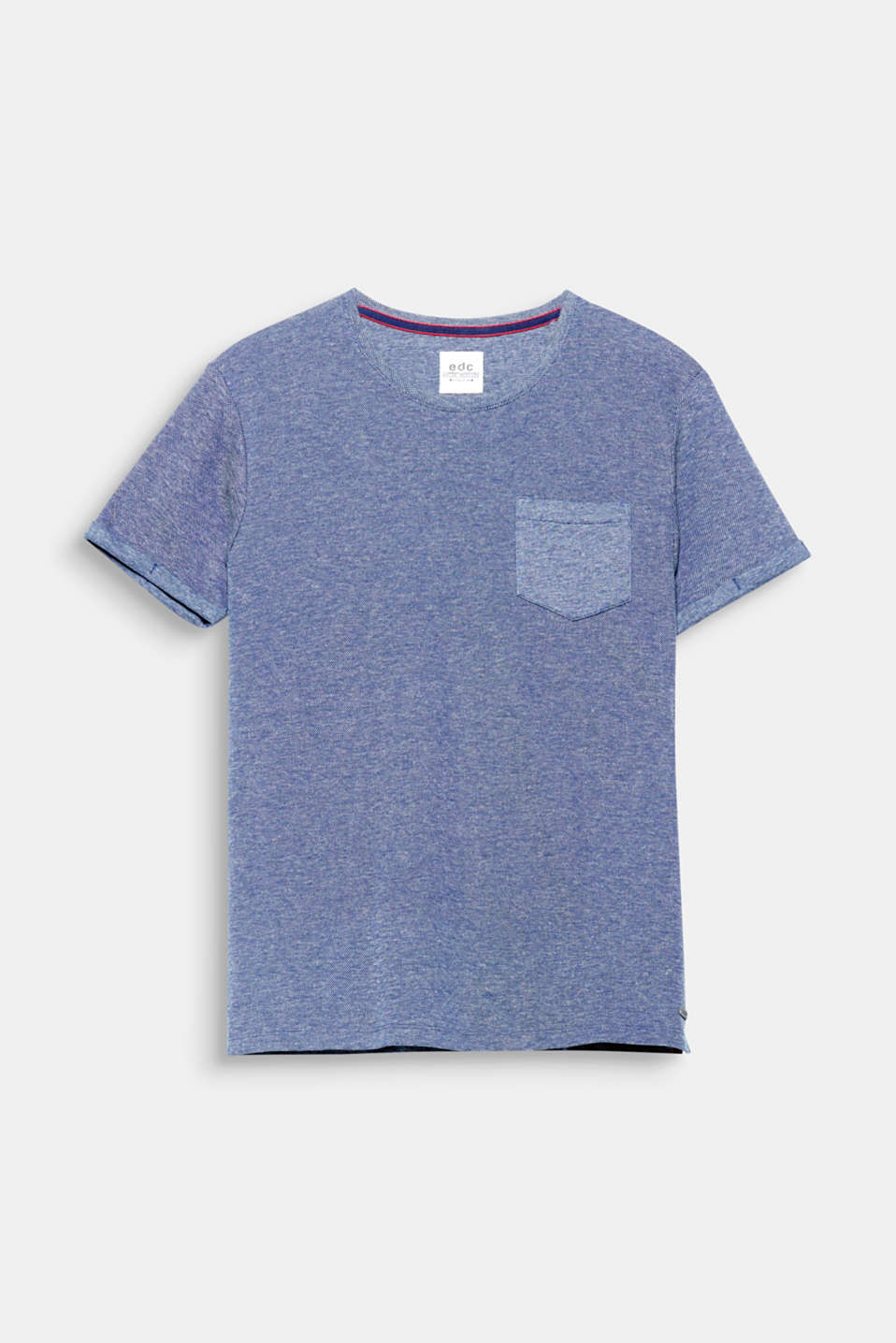 We love texture! The mix of materials made up of jersey and piqué gives this T-shirt an exciting mix of textures.