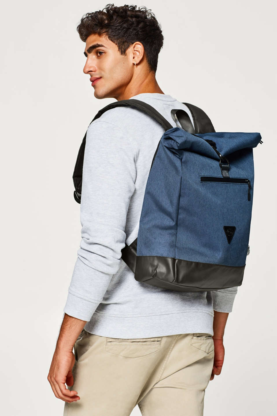 Backpack with a wide range of inner pockets