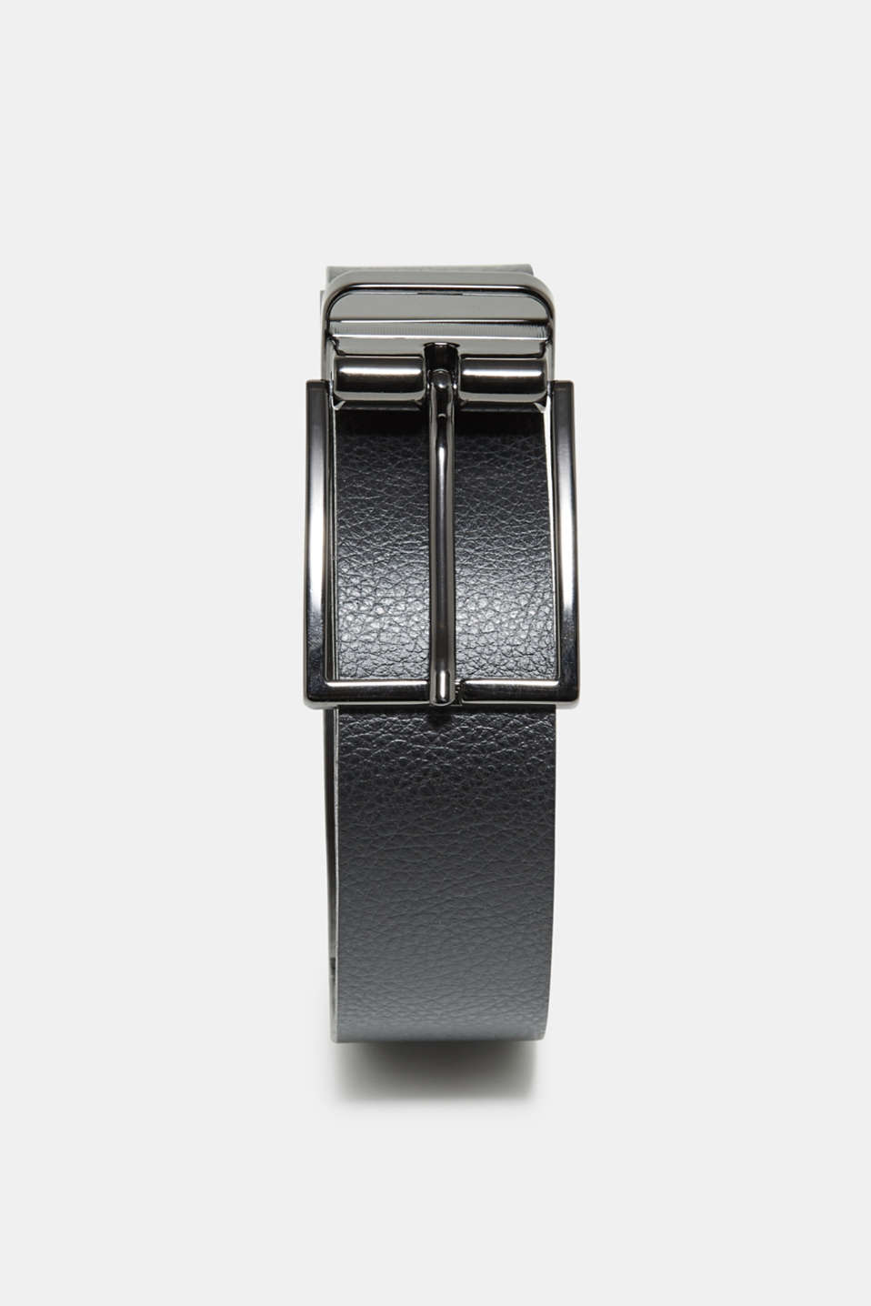 Black or brown - either way, this reversible belt will enhance a smart look