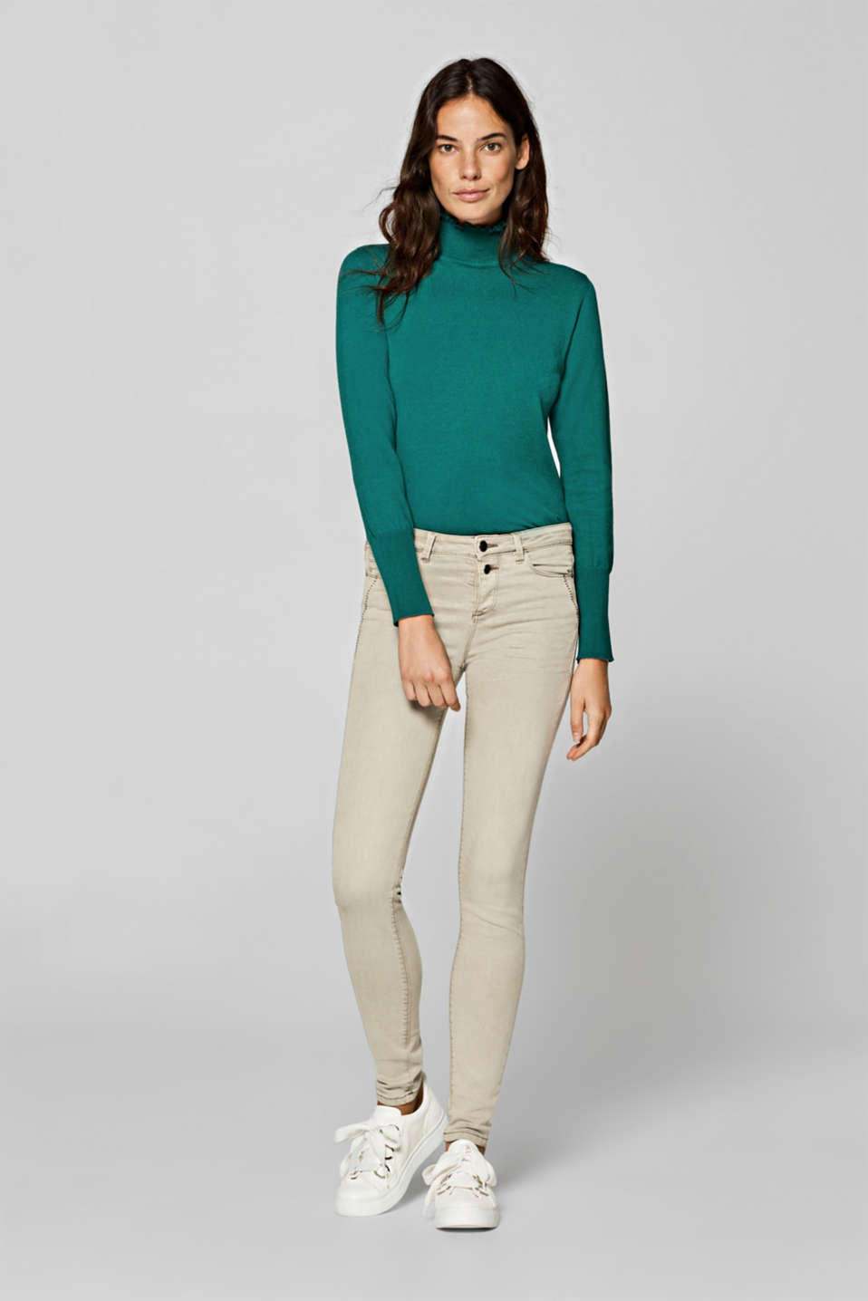 Esprit - Stretch trousers with a button placket, recycled