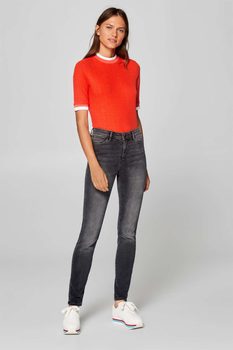 Esprit - Figure-shaping jeans with garment-washed effects