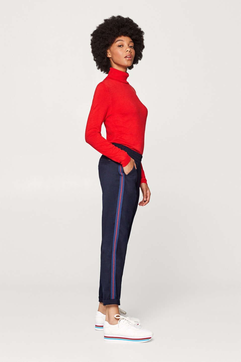 Esprit - Stretch trousers in a tracksuit bottom style with racing stripes