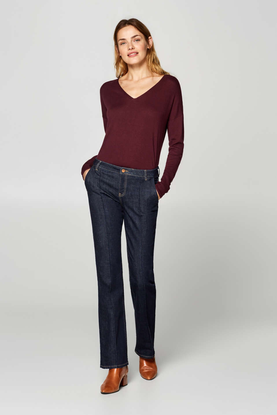 Esprit - Stretch jeans with pintucks and organic cotton