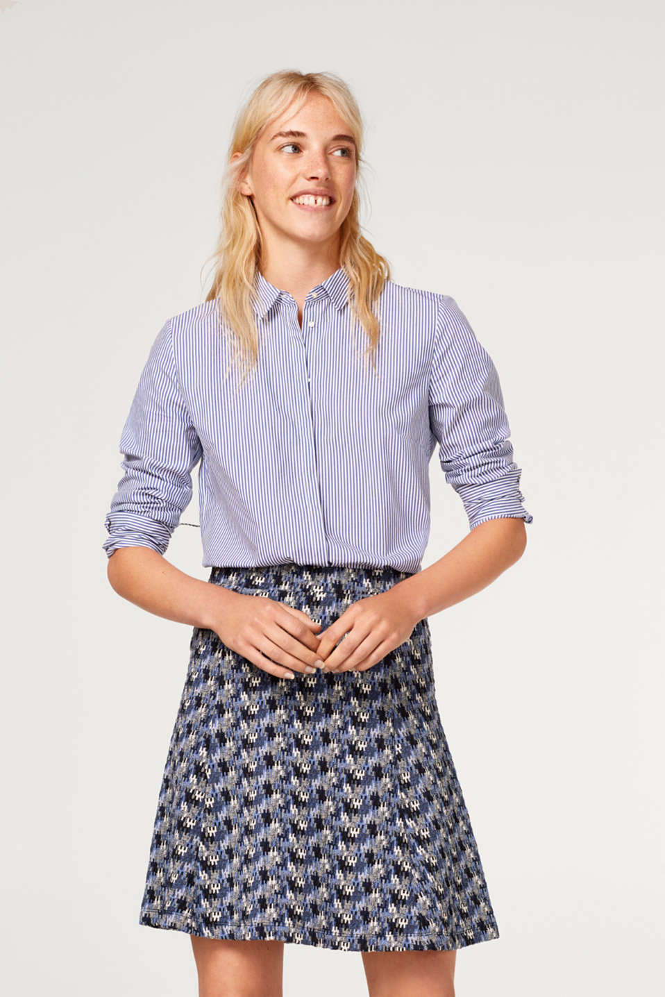 Esprit - Stretch jersey skirt with a jacquard pattern
