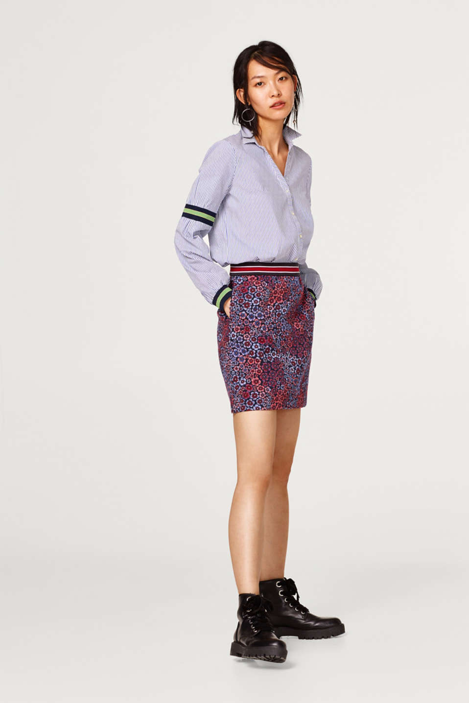 Skirt with jacquard flowers and a ribbed waistband