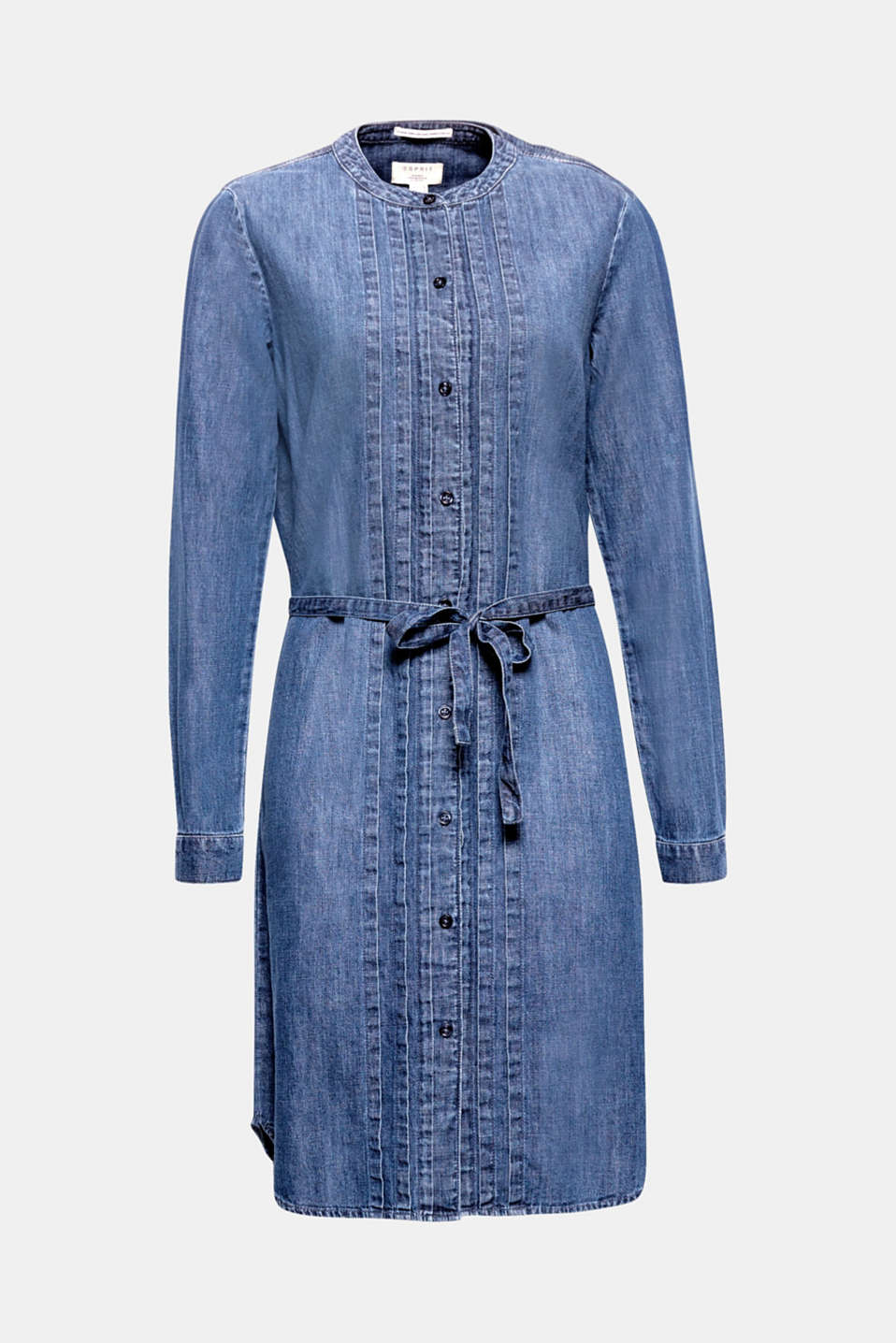 This casual cotton denim dress is decorated with pintucks and can be individually adjusted at the waist with the tie-around belt.