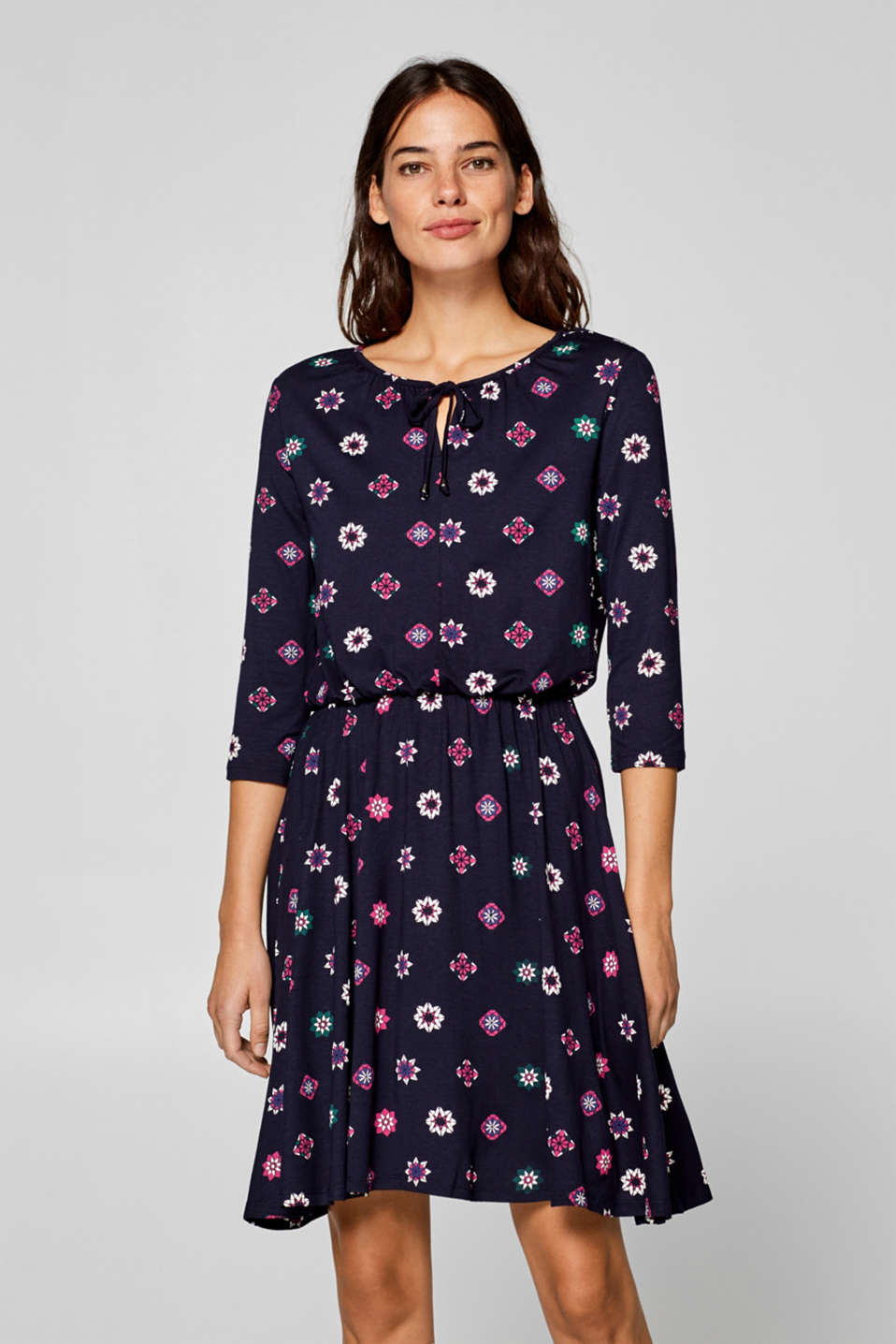 Esprit - Stretch jersey dress with an all-over print